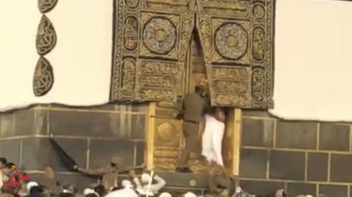 شرطة مكة تكشف تفاصيل تسلق حاج عتبة باب الكعبة