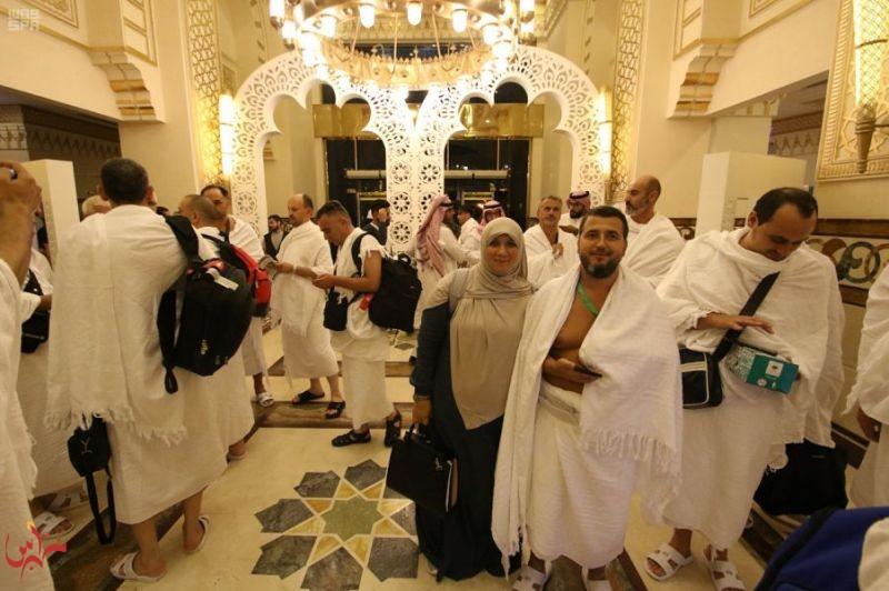 اكتمال وصول 1300 حاج وحاجة من ضيوف خادم الحرمين الشريفين للحج