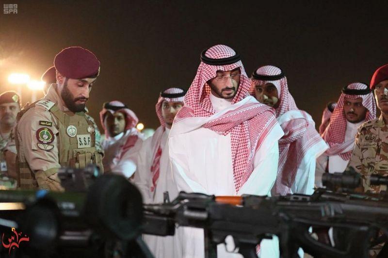 نائب أمير منطقة مكة المكرمة يزور مقر قوات الأمن الخاصة بالمشاعر المقدسة