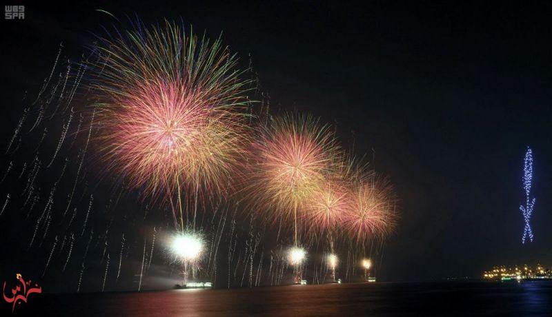 عروض الألعاب النارية تضيء سماء جدة بمناسبة اليوم الوطني الـ 88