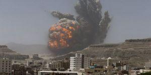 """اليمن.. غارات للتحالف على قاعدة """"الديلمي"""" شمال صنعاء"""