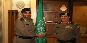 """مدير شرطة جدة يُقلد الحارثي رتبة """"مقدم"""""""