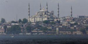 وصول عدد كبير من السياح إلى إسطنبول