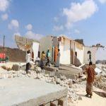 """مركز الملك سلمان للإغاثة يوزع مساعدات إيوائية وغذائية للمتأثرين بإعصار """"لبان"""" في محافظة المهرة"""