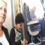 بالصور.. مأساة عائلة صعدت للطائرة ولم تجد مقاعدها