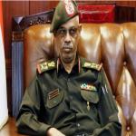 """وزير الدفاع السوداني يعلن """"اقتلاع"""" النظام واحتجاز البشير"""