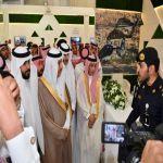 وكيل إمارة تبوك يطلع على جناح رئاسة أمن الدولة المشارك في مهرجان الورد والفاكهة