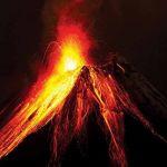 """جزر الكناري.. انفجارات هائلة في بركان """"لا بالما"""""""